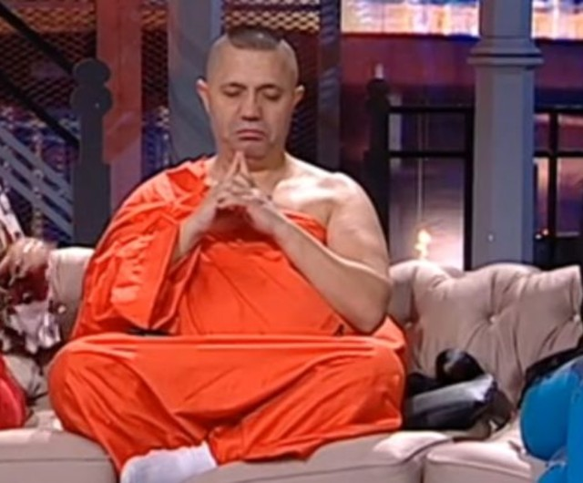 http://m.click.ro/vedete/romanesti/nicolae-guta-s-imbracat-calugar-budist-ma-teleportez-india